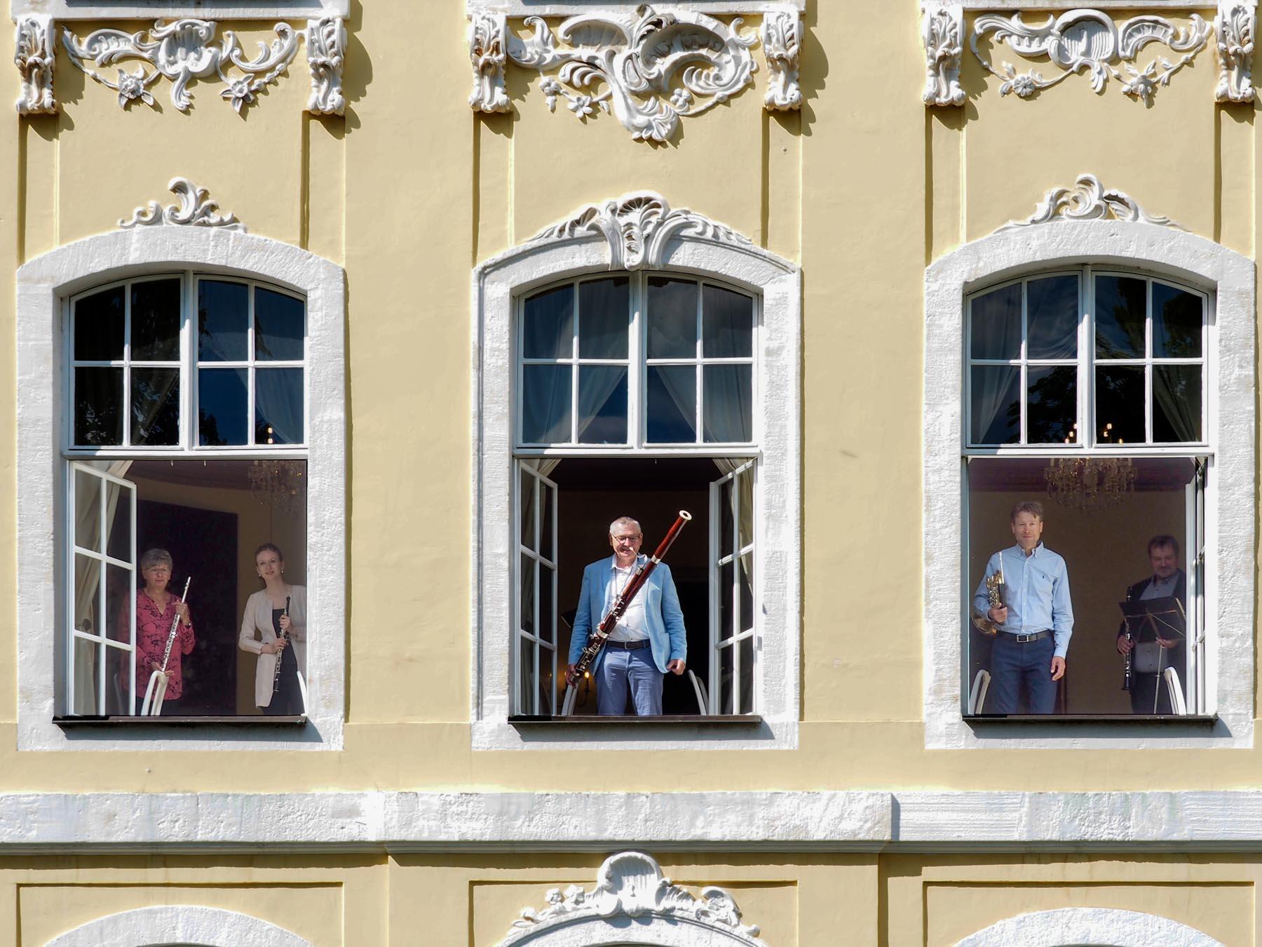 Fensterständchen Döring-Bläserquintett des MDR im Gohliser Schlösschen